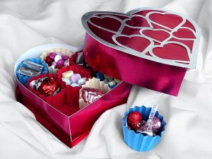 Heart-Candy-Box-600x450